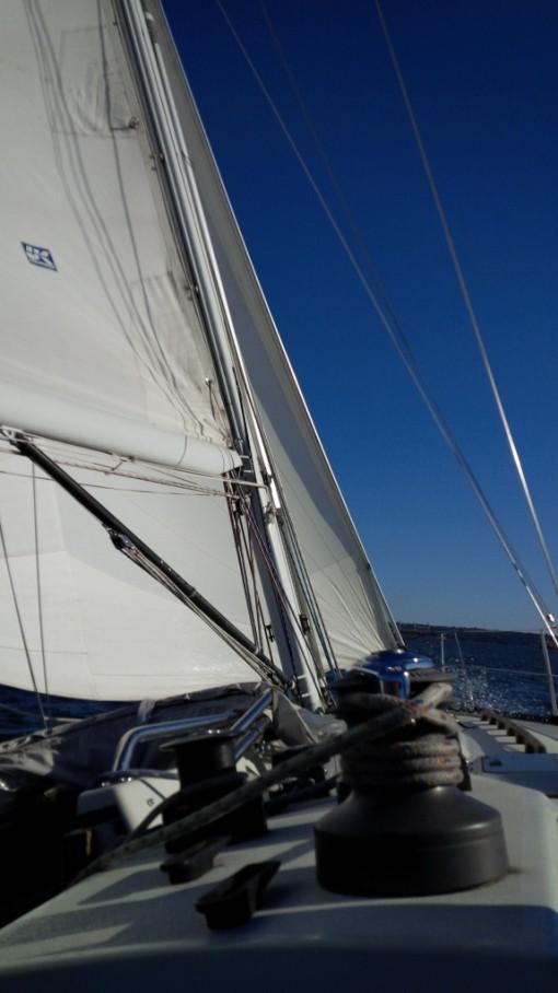 C&C 37 yacht - under way