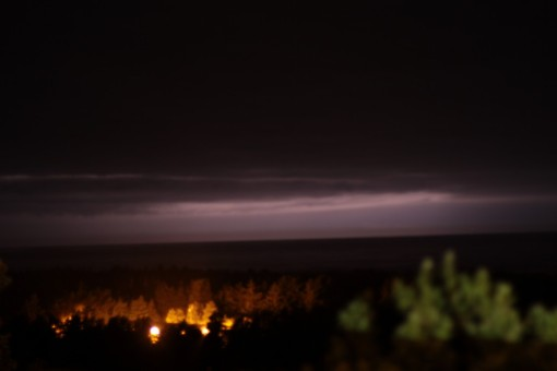 Lightening on the Pacific horizon